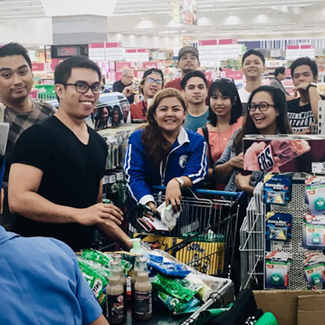 roya manila team grocery shopping